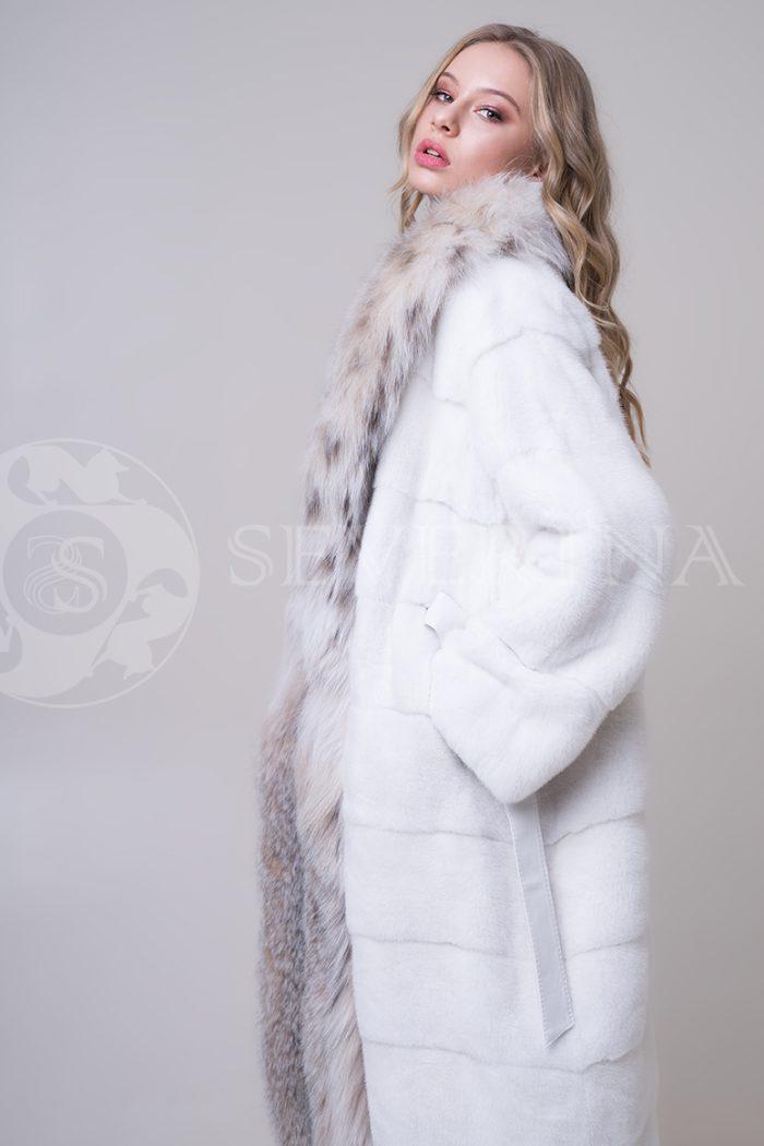 shuba norka belaja bort rys 4 1 700x1050 - шуба из меха норки с отделкой из меха рыси