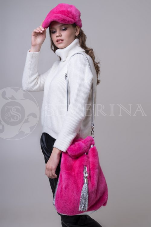 сумка из меха норки розового цвета