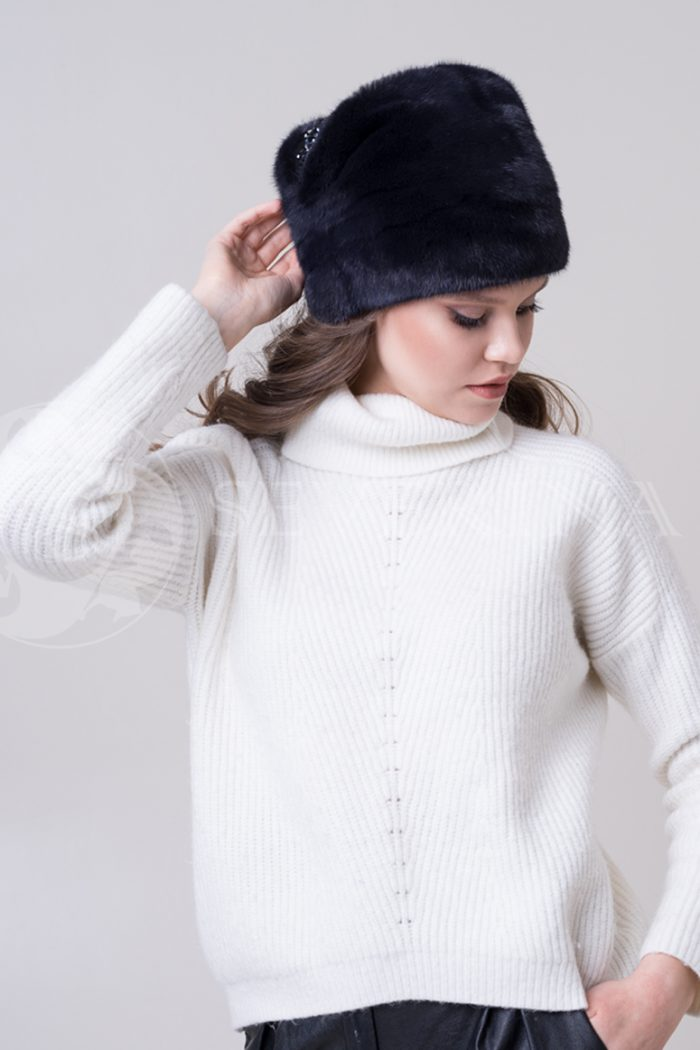 chernaja moskvichka2 700x1050 - шапка из меха норки