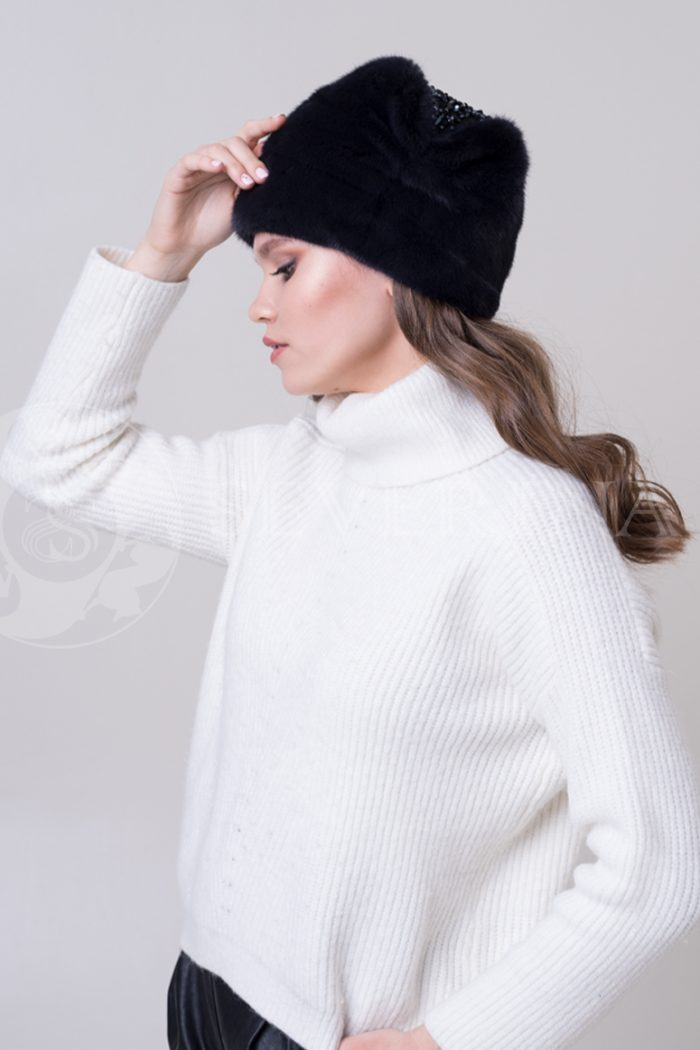 chernaja moskvichka3 700x1050 - шапка из меха норки
