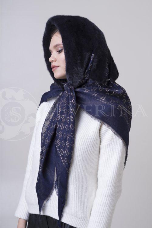 kapjushon platok1 500x750 - платок-капюшон с отделкой из меха норки