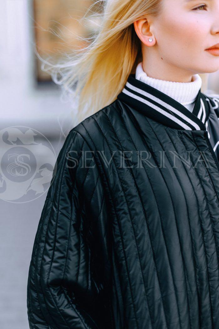 chernoe steganoe assimetrija 2 700x1050 - пальто из стеганой ткани с ассиметричным принтом