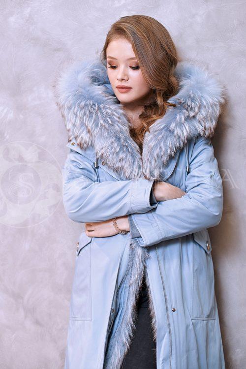 golubaja lisa 2 500x750 - куртка-парка с отделкой мехом лисы