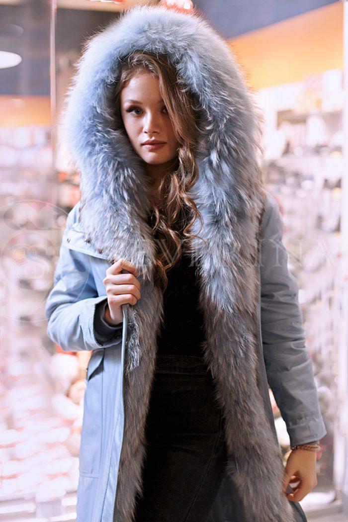 golubaja lisa 5 700x1050 - куртка-парка с отделкой мехом лисы