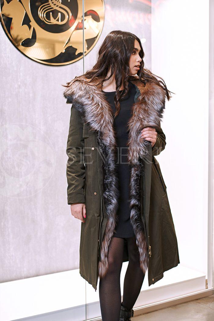 haki lisa 2 700x1050 - куртка-парка с отделкой мехом лисы
