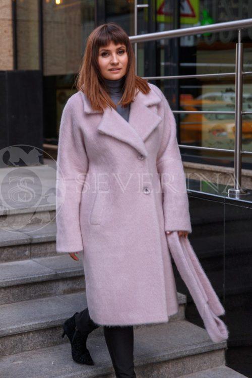 nezhno rozovoe 1 500x750 - пальто из мягкой ткани с отделкой мехом песца нежно-розового цвета