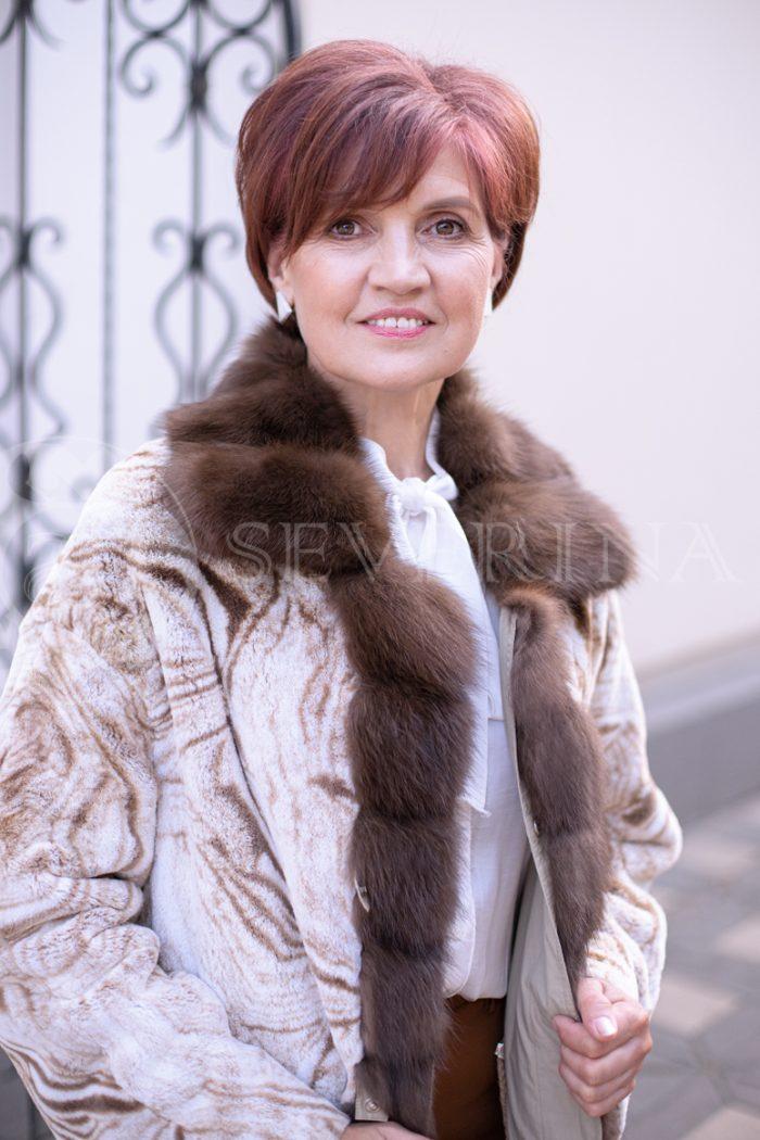 svetlaja 2stor pesec risunok 2 700x1050 - двусторонняя куртка-парка с отделкой мехом соболя