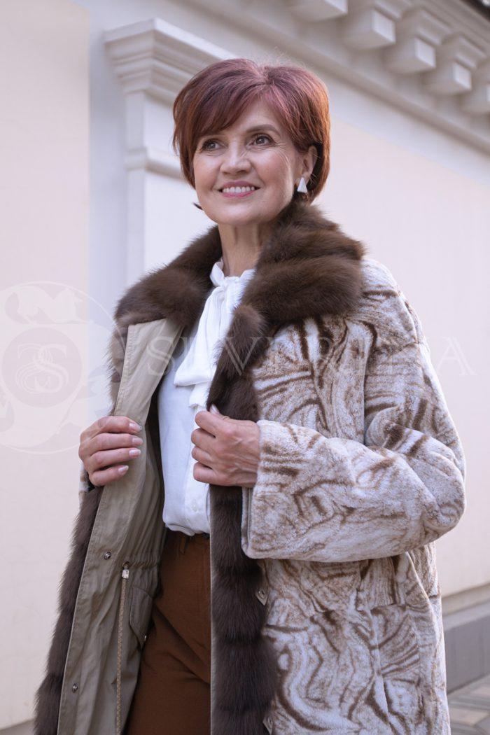 svetlaja 2stor pesec risunok 4 700x1050 - двусторонняя куртка-парка с отделкой мехом соболя