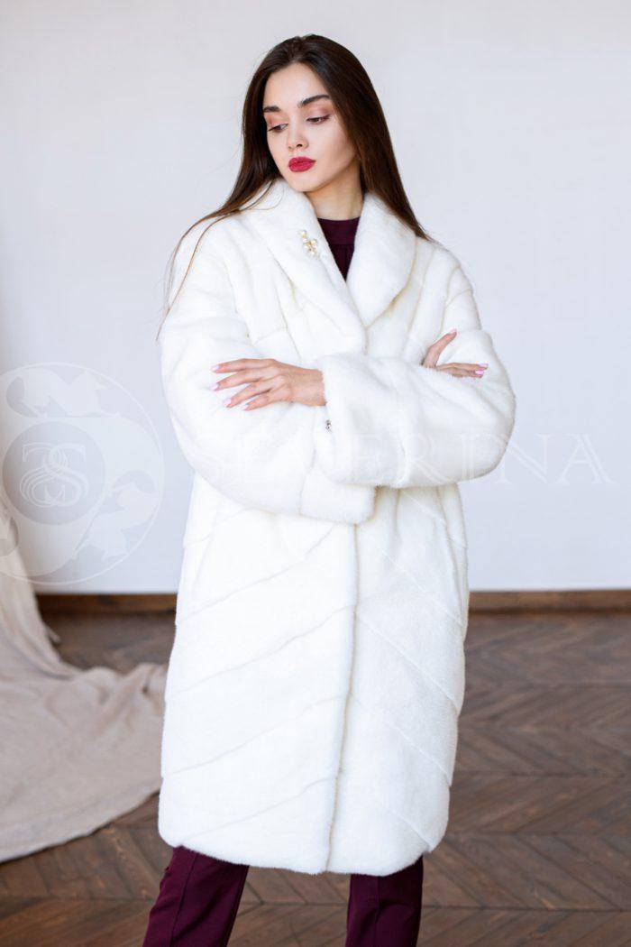 "belaja norka diagonal liza v bordovym brjukah studija 700x1050 - шуба из меха норки pearl ""диагональ"""