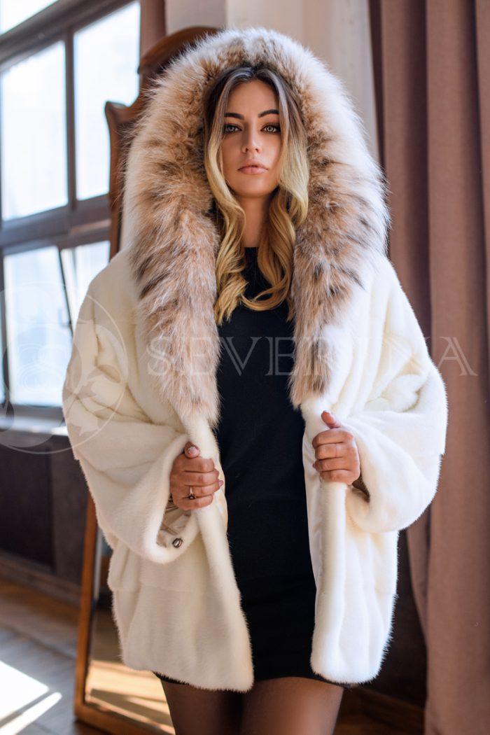 belaja norka rys kapjushon blondinka v studii 700x1050 - шуба из меха норки pearl с отделкой мехом рыси