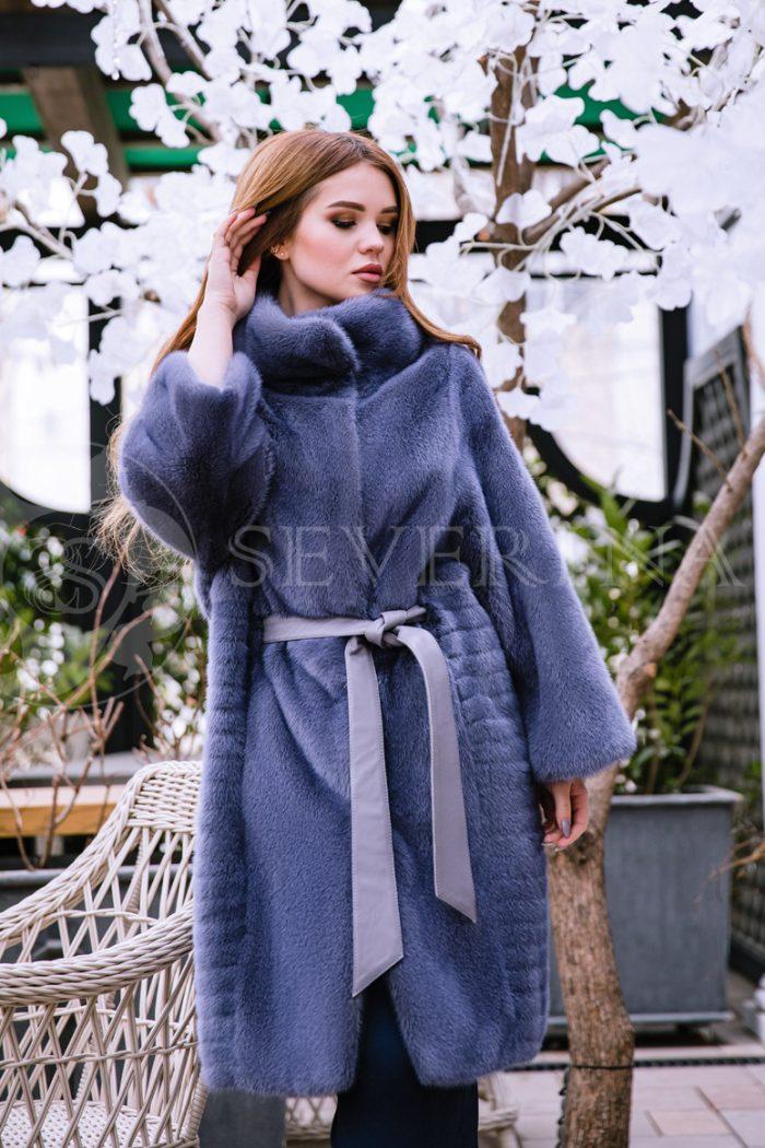 fioletovaja norka cvetushhij sad ryzhenkaja 700x1050 - шуба из меха норки темно-фиолетового цвета инжир