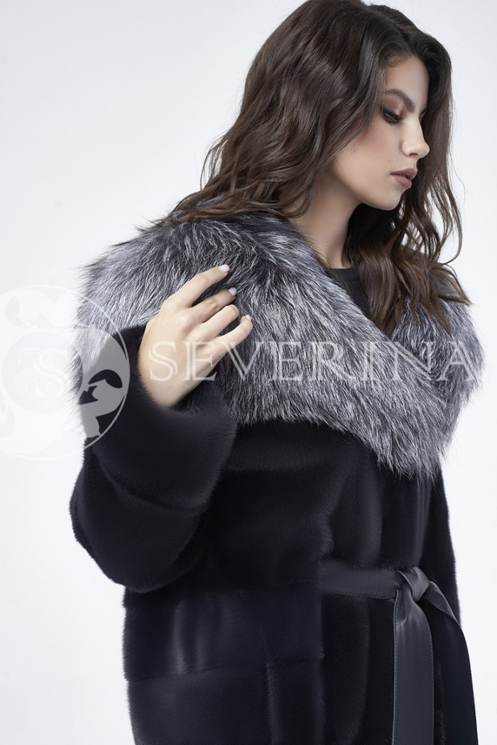 doletskiy 0695 700x1050 - шуба из меха скандинавской норки с капюшоном из меха серебристо-черной лисы