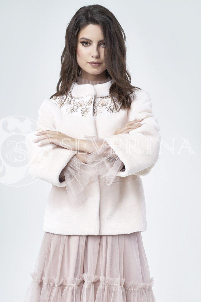 doletskiy 1077 700x1050 - шуба из стриженного меха бобра оттенка розовая равалия с вышивкой
