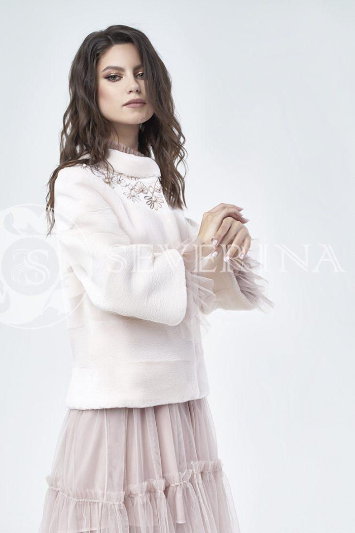 doletskiy 1078 700x1050 - шуба из стриженного меха бобра оттенка розовая равалия с вышивкой