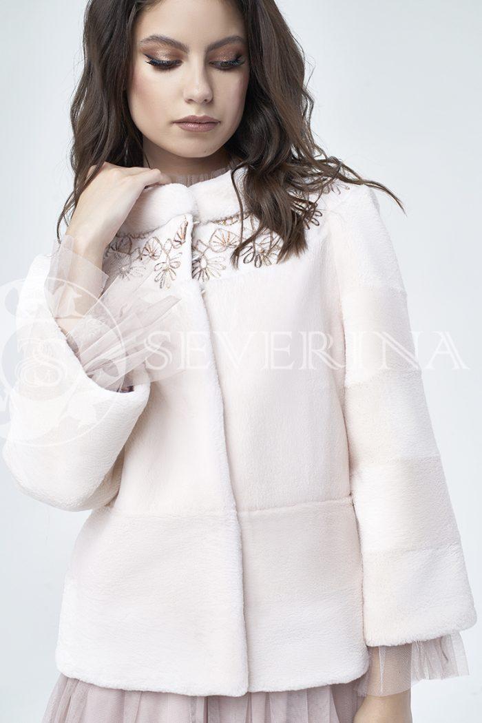 doletskiy 1089 700x1050 - шуба из стриженного меха бобра оттенка розовая равалия с вышивкой