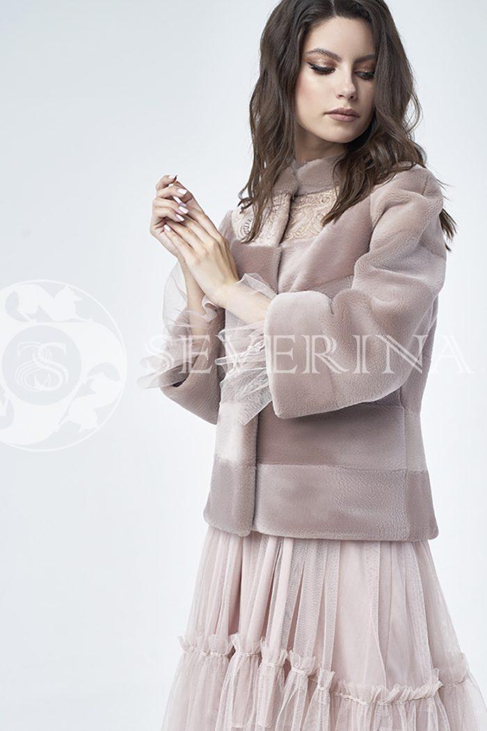 doletskiy 1110 700x1050 - шуба из стриженного меха бобра оттенка чайная роза с вышивкой