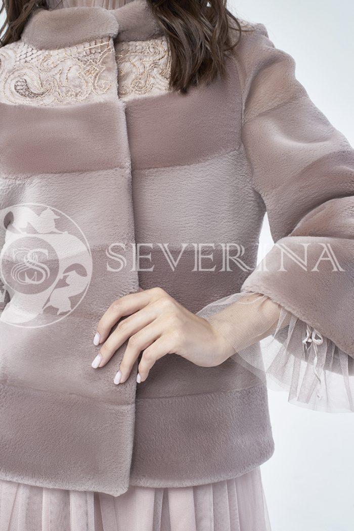 doletskiy 1129 700x1050 - шуба из стриженного меха бобра оттенка чайная роза с вышивкой