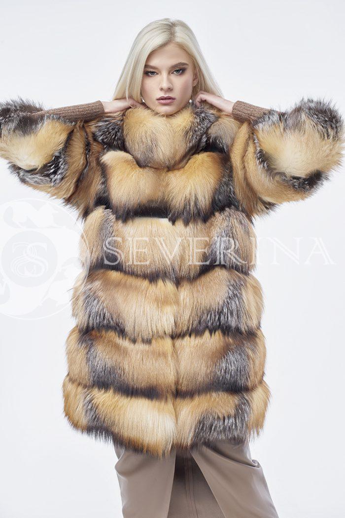 doletskiy 0262 700x1050 - шуба из меха лисы в натуральном цвете