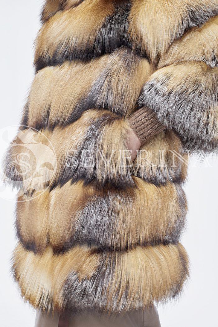 doletskiy 0270 700x1050 - шуба из меха лисы в натуральном цвете