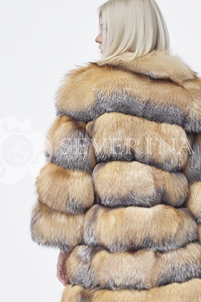 doletskiy 0280 700x1051 - шуба из меха лисы в натуральном цвете