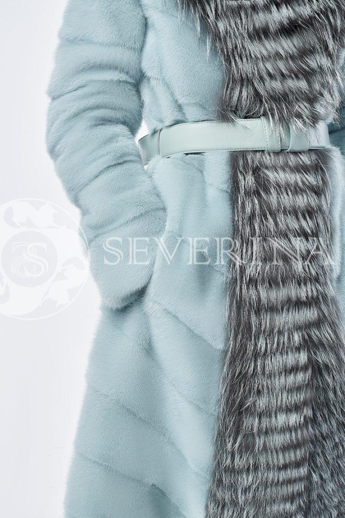 шуба из меха норки бирюзового цвета с отделкой мехом серебристо-черной лисы