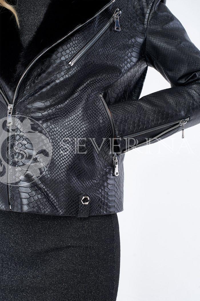 """kosuha reptilija chernaja norka 1 700x1050 - куртка """"косуха"""" из натуральной кожи с выработкой под рептилию и отделкой из меха норки"""