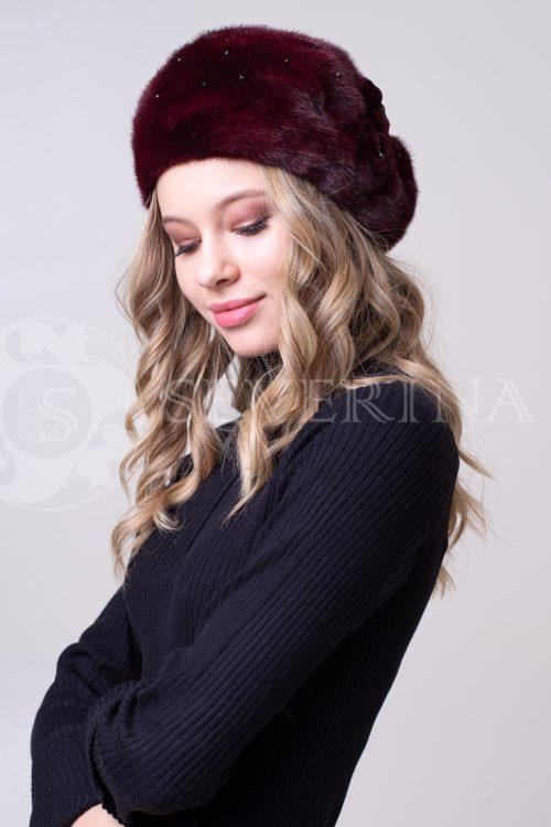 beret temno krasnyj 500x750 - шапка из меха норки с вязаной отделкой