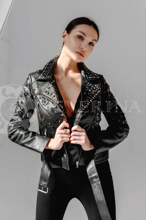 kosuha vyshivka holniteny 500x750 - куртка с английским воротником и манжетами из меха козлика