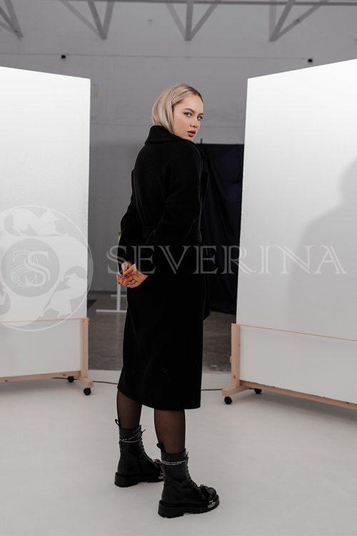 palto chernoe strochka belaja 500x750 - пальто классическое в клетку