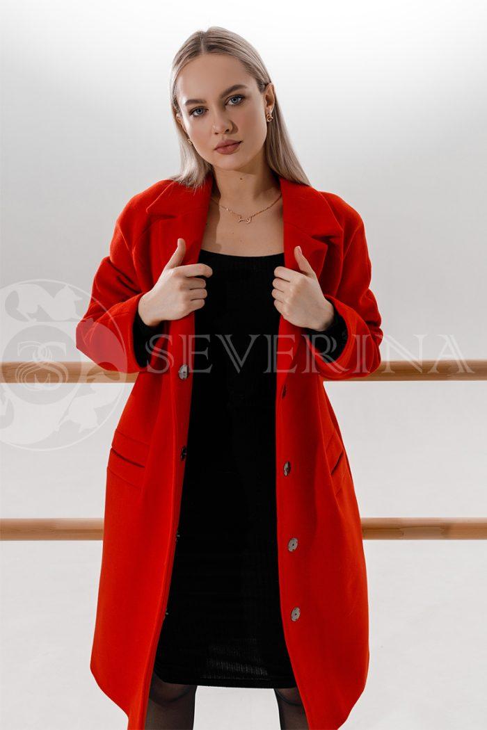 palto krasnoe 700x1050 - пальто ярко-красного цвета