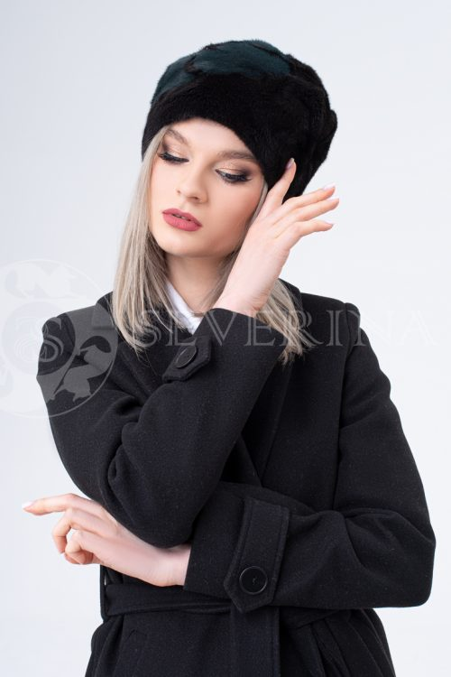 shapka chernaja s izumrudnym cvetkom 500x750 - шапка из меха норки и песца с инкрустацией