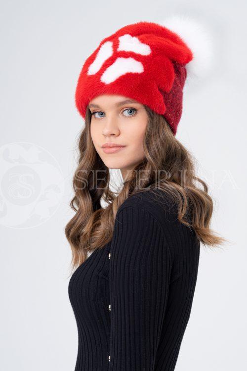 shapka krasnaja belyj cvetok 500x750 - шапка вязаная с отделкой мехом норки и песца