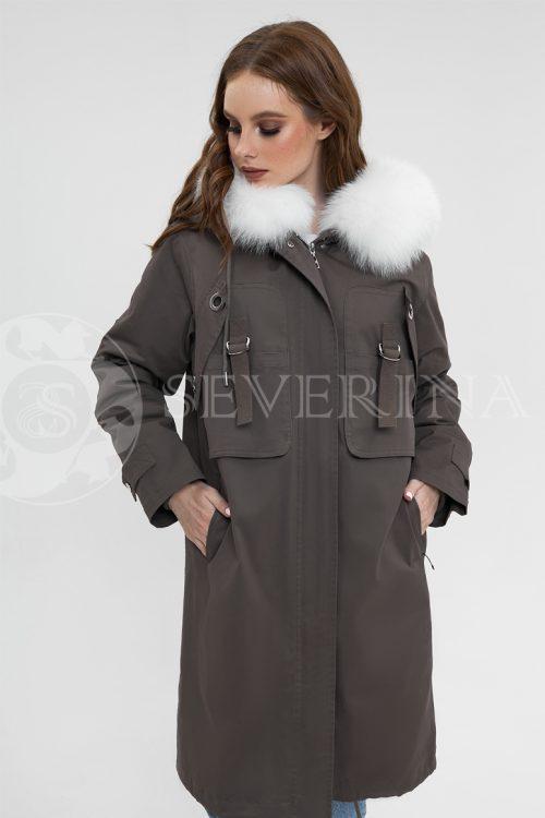 parka haki belyj pesec 500x750 - куртка-парка красного цвета с отделкой мехом серебристо-черной лисы