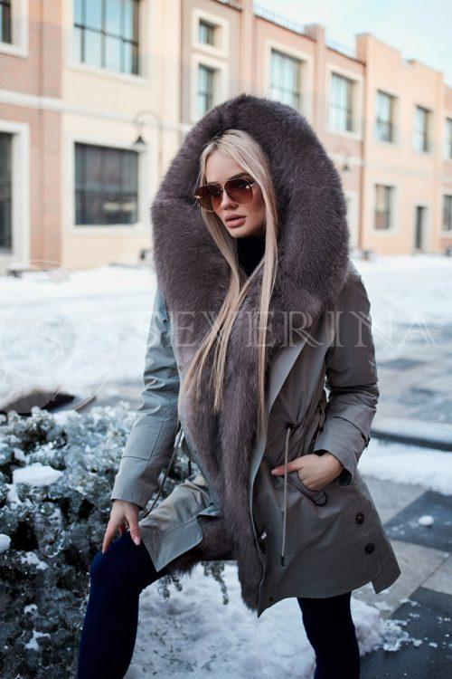 parka izumrud pesec 500x750 - куртка-парка с отделкой мехом серебристо-черной лисы