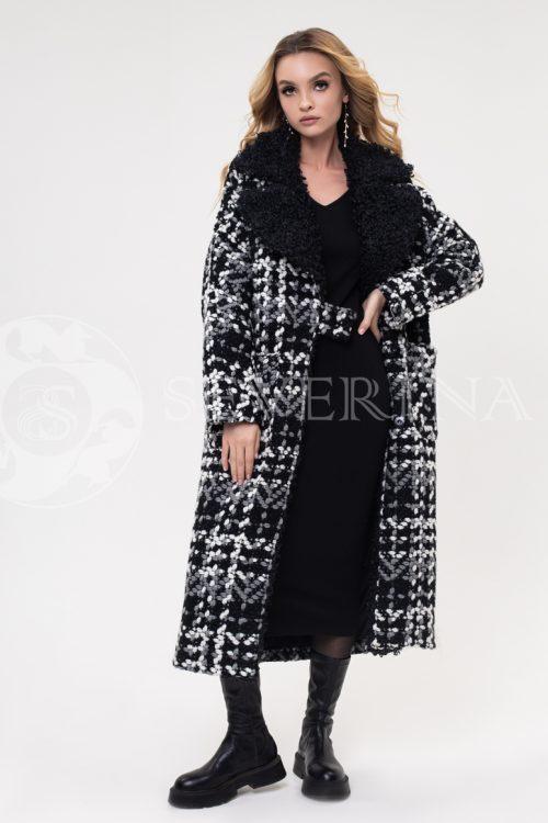 palto bukle kletka krupnaja 500x750 - пальто из букле в крупную клетку с отделкой мехом козлика