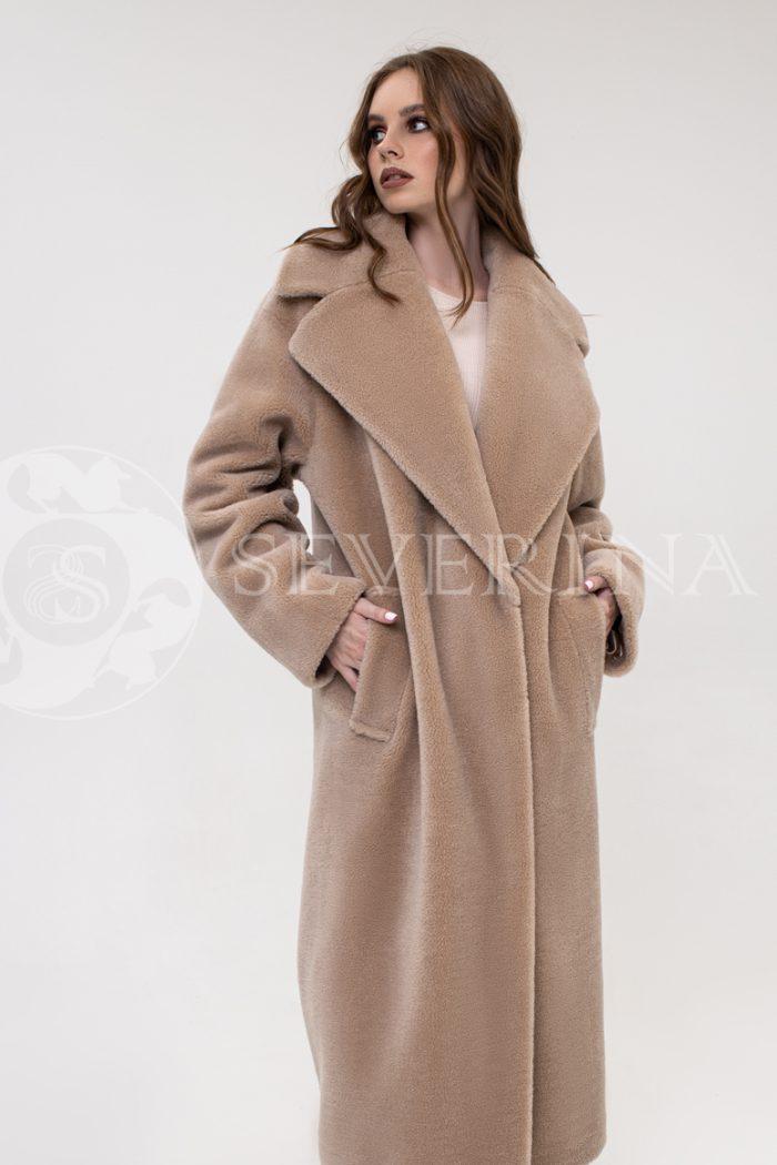 palto jekomeh bezhevoe oversajz 2 700x1050 - пальто из экомеха