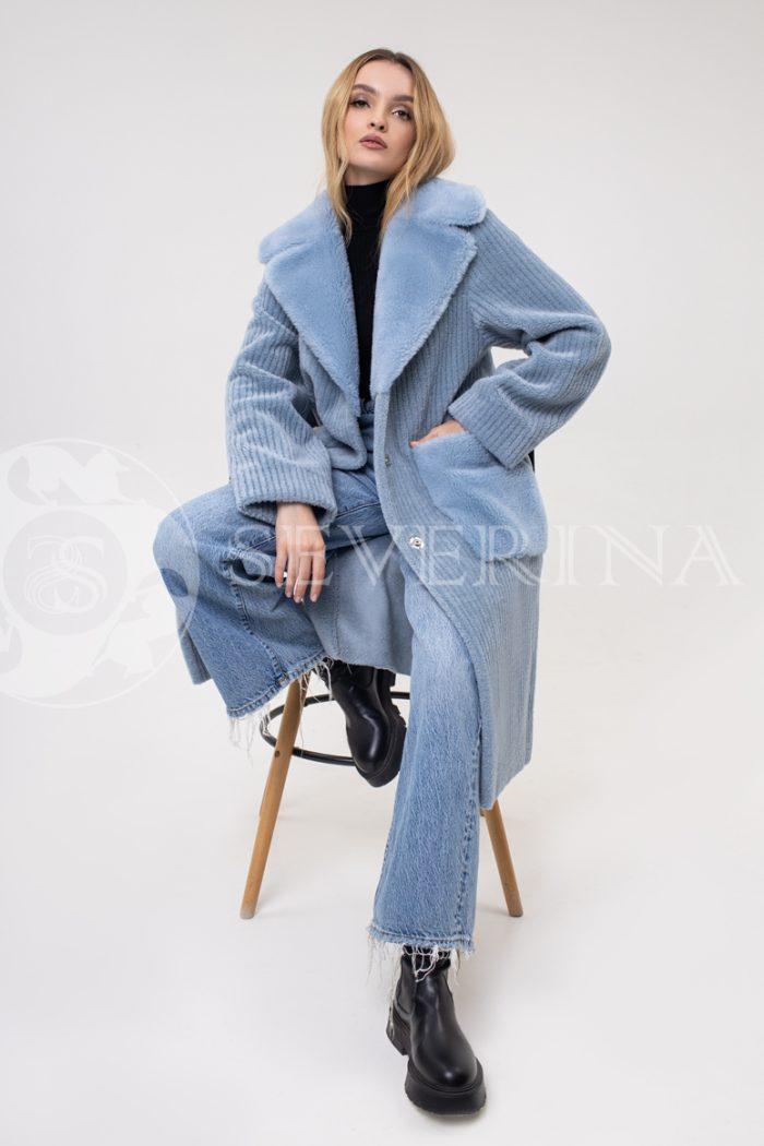 palto jekomeh goluboe vystrig 700x1050 - пальто из экомеха
