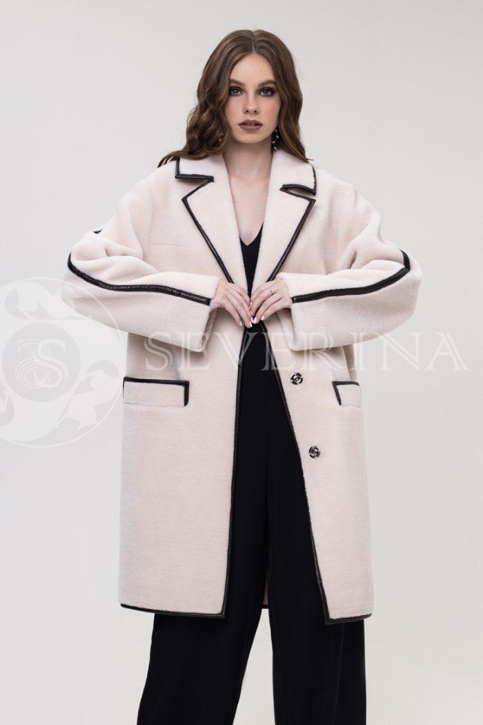 palto jekomeh molochnoe otdelka kozhej 700x1050 - пальто-дубленка из экомеха