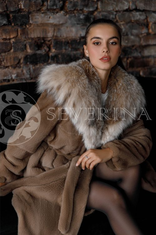 shuba norka braun kapjushon rys 500x750 - шуба из меха норки brown с отделкой мехом рыси